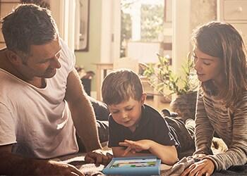 Kinder e Universidade de Oxford fazem parceria para pesquisar e desenvolver aprendizado digital para crianças