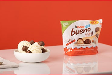 KINDER BUENO IS CELEBRATING NATIONAL SELFIE DAY WITH 'BUENOBOT,' A NEW RED CARPET-INSPIRED INSTAGRAM FILTER